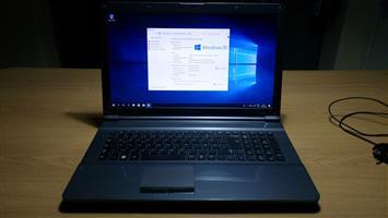 "Laptop - Samsung 17.3"", Windows 10"