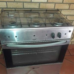 6 plate gas stove ..nobs are missing