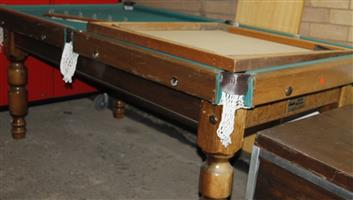 S033598B Pool table with accessories #Rosettenvillepawnshop