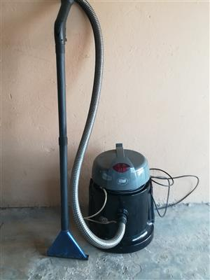 Dry wet vac /vacuum cleaner