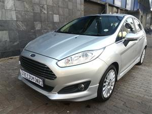 2015 Ford Fiesta 5 door 1.0T Titanium