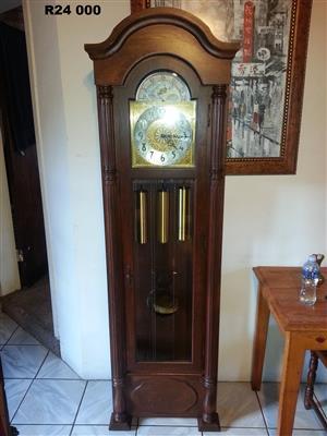 Urgos Western Germany  Grandfather Clock (585x320x1945)