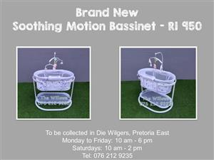 Brand New Soothing Motion Bassinet