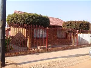 Exclusive 2 bedroom HOUSE in Unit D EXTENSION Temba