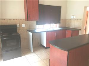 Spacious 2 bedr house for rent in Wonderboom South