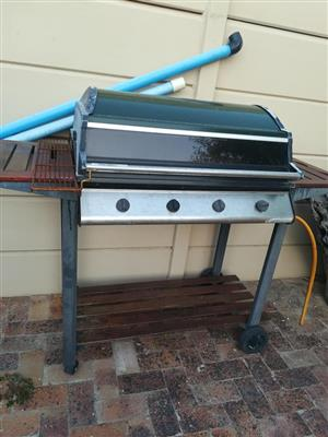 4 Burner gas braai for sale