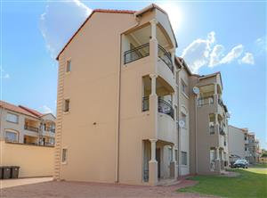 2 BEDROOM HOME IN A SPACIOUS COMPLEX