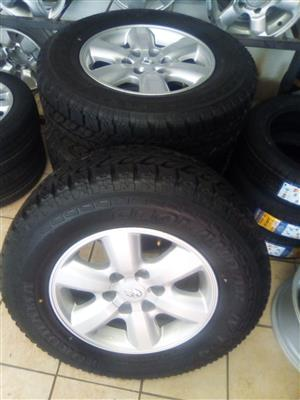 17 inch Toyota hilux rims thickspoke with brand new 265/65/17 Handkook tyres R8999 set.