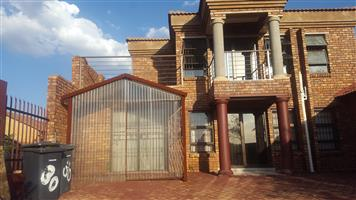Single Room at  R2 260.00 Per Month- Student Accommodation