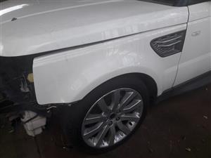 Range Rover sport 2010 front fenders