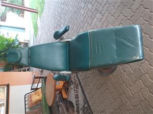 Dentists Chair (Belmont) + SIL.Air Compressor
