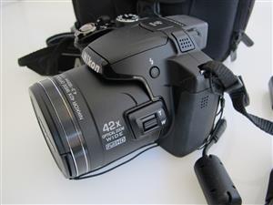 NIKON COOLPIX P510 16.1 MP 42x optical zoom