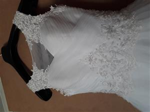 Wedding dress size 28-32