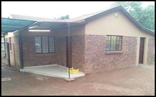 A spacious 4 bedroom For Sale in Claremont!!!