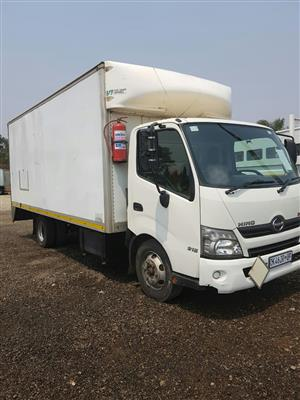2013 Hino 300-915, Automatic, 5 Ton Closed Body truck for sale