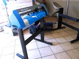 Vinyl Cutter V‐Smart Series Contour Cutting Vinyl Cutter 740mm Working Area with Stand