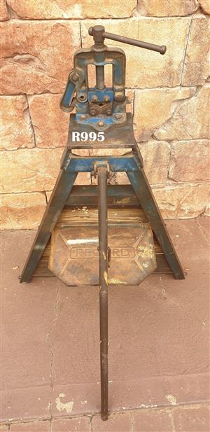 Recod No 92 Pipe Vice with Record Stand