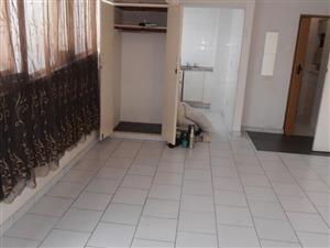 Midrand studio apartment to rent