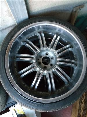 "22"" Chrome Rims & Tyres"