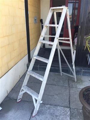 2 All purpose Aluminium Handy Man's Ladder - Gravity ladder - price per ladder