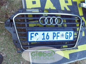 AUDI A6 FRONT BUMPER GRILL – USED (CR)