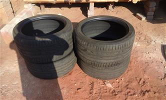 BMW X5 TYRES SIZE  275/40R20  SELLING FOR R 399 EACH USED