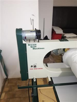 LONG ARM QUILTING MACHINE FOR SALE IN EXCELLENT CONDITION