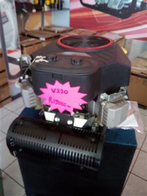 Magnum V220 motor with electric start