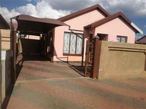 2 bedroom house to rent in block vv