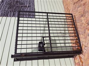 Double driveway steel swing gates with motors