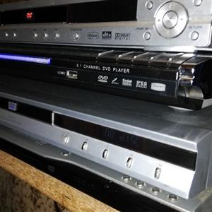 4 DVD players and a VIDEO MACHINE FOR SALE