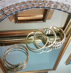 Exquisite Gold & Cream Bangles!!