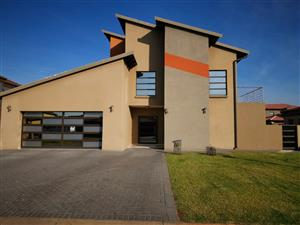 STUNNING DOUBLE STOREY HOUSE IN MONTANA PRETORIA