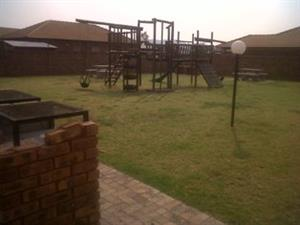 2 Bedroom Townhouse for rent with 2 Carports at  Andeon