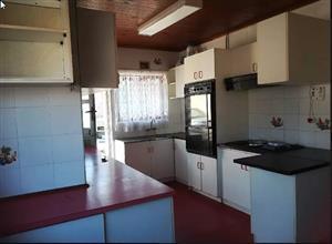 3 bedroom home for rent in Merebank, Durban