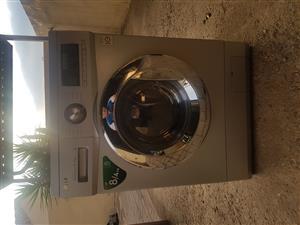 LG Wash & Dryer 8/4kg