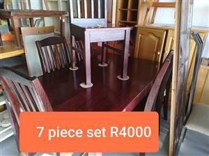 7 Piece wooden diningroom set