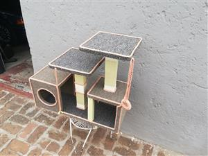 Cat Box/Scratch Post