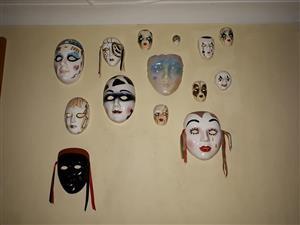 Versameling muur maskers