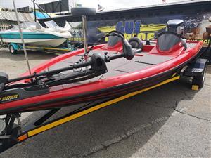 Bass Boat, 200Hp Yamaha