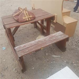 Amazing Dark Wooden Garden Bench Table Junk Mail Spiritservingveterans Wood Chair Design Ideas Spiritservingveteransorg