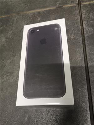 Apple iphone 7 32gb brand new sealed never used never opened