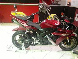 2006 Yamaha YZF R1