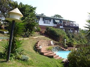 STUNNING RIVER AND SEA VIEWS 4 BEDROOM HOUSE FOR SALE WITH FLAT UMTENTWENI R1,700,000 NEG