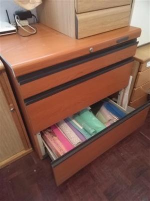 Office cabinet (3 big drawers)