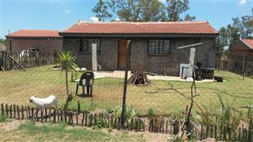2 bed bath openplan living big yard prepaid. pets & children very welkom