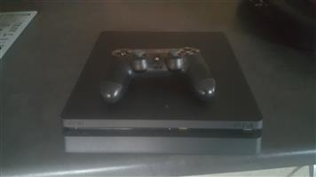 Playstation 4 Slim 500Gb with 1 Remote and 3 games