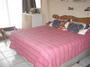 BARGAIN!!  3 BEDROOM HOUSE FOR SALE IN MINDALORE KRUGERSDORP.  PRICE REDUSED .  URGENT SALE.