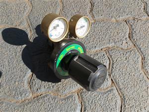 Argon gas regulator and gauges