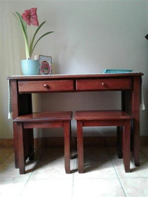 DESK / SERVER and 2 x SIDE TABLES / CHAIRS. SOLID WOOD Mahogany colour. Stunning set in excellent condition